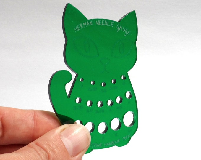 Herman Cat Knitting Needle Gauge Metric  Green Translucent