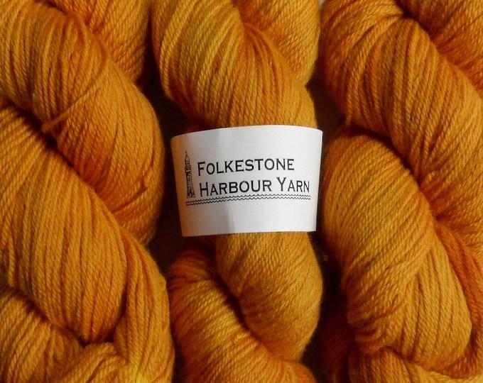 Orpiment Mustard Yellow Wool Yarn 100g DK Merino 21