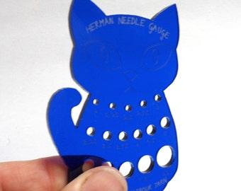 Herman Cat Knitting Needle Gauge Metric  Blue Translucent