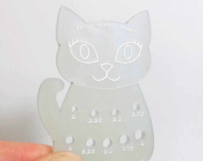 Bella Cat Mini Knitting Needle Gauge Metric  White Pearlescent Swirl
