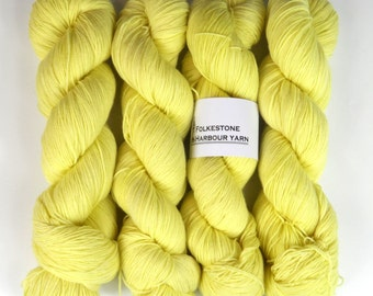 Isabelline Creamy Yellow Merino Blend Sock Wool 02