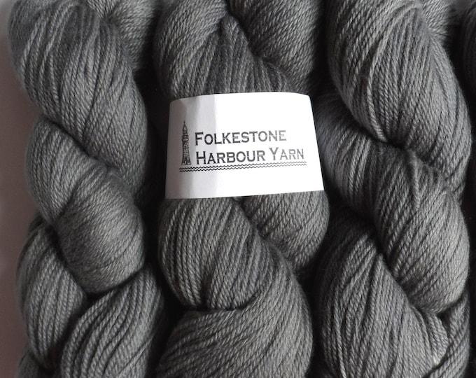 Pearl Grey Wool Yarn 100g DK Merino 08