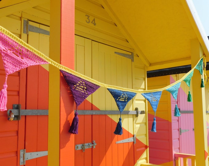 Beach Hut Bunting   Instant Download  Crochet Pattern