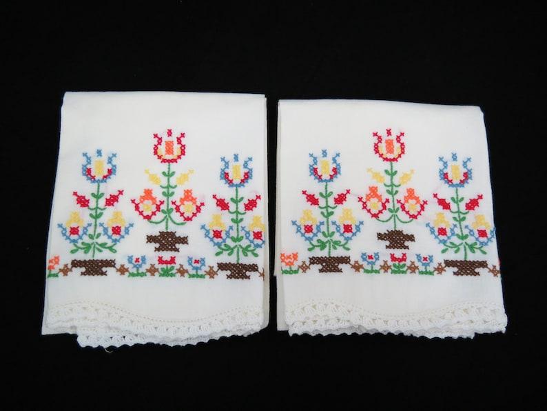 12RTT17 Free Shipping Pennsylvania Dutch Cross Stitch Vintage Embroidered Pillowcases