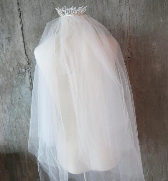Vintage 1950s Fingertip Ivory Wedding Veil, Free … - image 8