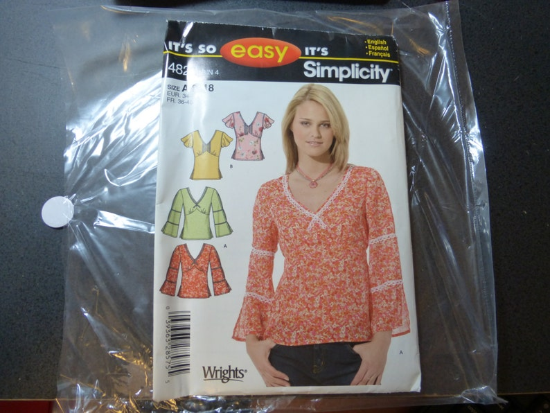 Womens top EASY sewing pattern Sizes 8-18 Simplicity 4823 new image 0