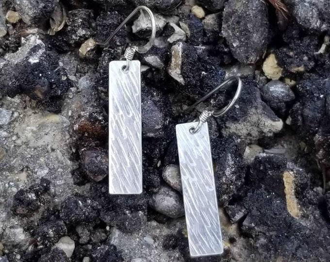 Bar Rectangle Earrings - Texture #1