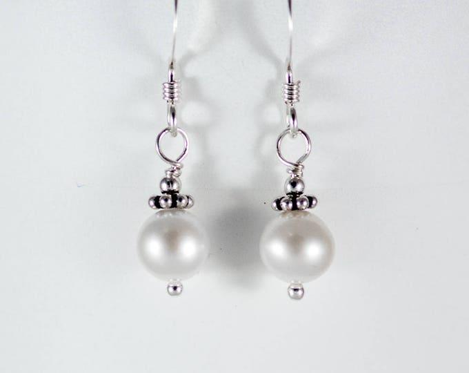 Pearl Earrings - 6mm Round