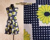 70s vintage Mod Hippie Sunflower dress Sleeveless Pleated Short Zip front dress Finnish vintage by Figura Finland size Medium