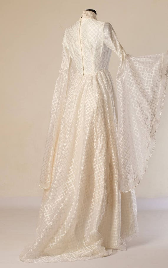 Size dress Victorian gown vintage lace Angel style sleeves 70s bridal with wing White wedding small Train 6qBwFB