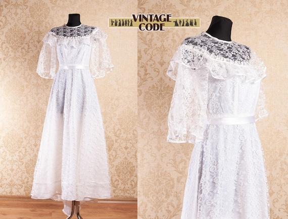 Vintage White Lace Wedding Dress Bridal Gown  / La