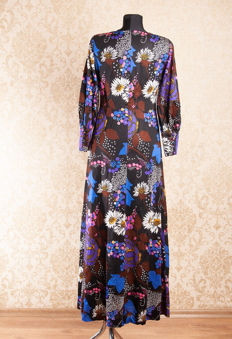 Black floral 70s vintage Groovy Maxi dress   Psychedelic Flower Power Woodstock Hippie Maxi dress  size Small