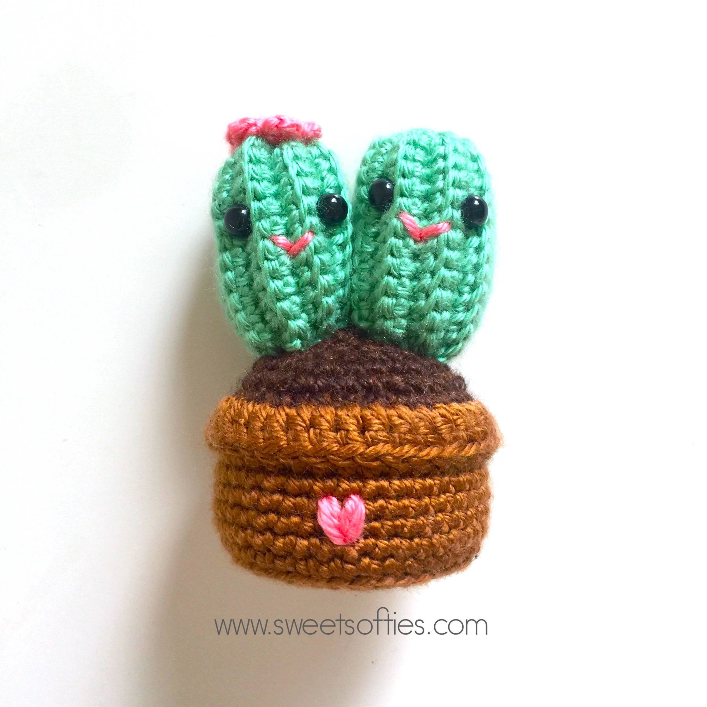 Free Amigurumi Crochet Pattern Tutorial: Cute Cactus Couple, Handmade DIY  Gift Boyfriend Girlfriend Husband Wife Valentines Day Anniversary