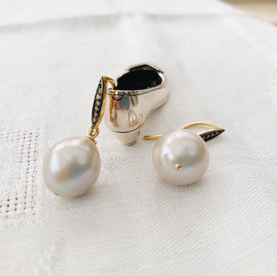 Gray Baroque Pearl & Diamond Earrings