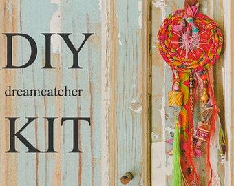 Dream Catcher Kit, Dream Catcher Diy, Red Dream Catcher, Make A Dreamcatcher, DIY Art Projects, Party Decorations For Adults, Hippie Decor