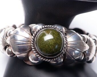 Vintage Mexican Sterling Silver Bracelet Green Goldstone Bead Ball 1c176e7cbc0
