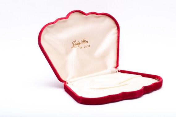 Vintage Red Velvet Clam shell Presentation Box Gif