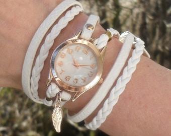 Envelopper Regardez blanc, végétalien, montre-bracelet, fleurs blanches, montres en or sinueuses, ailes d'ange, cadeau montre Bracelet cuir vegan pour les femmes