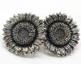 Sunflower Studs - Sunflower earrings - Sterling silver Sunflower - Realisitc sunflowers - Daisy earrings - Floral earrings - Sunflowers