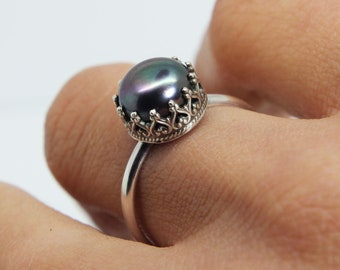 Black Pearl Ring 'Ocean Queen' - Sterling silver ring - Wedding ring - Pearl engagement ring - Gothic engagement ring - Freshwater pearl