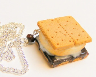 Food Jewelry Smores Necklace, Smores Pendant, Smores Jewelry, Miniature Food Necklace, Mini Food Jewelry, Dolls Food Jewelry, Smore Necklace