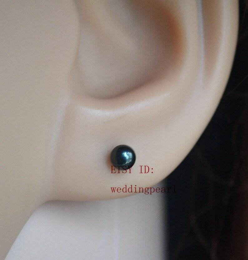 2bc208c9fb34 Pendientes de perlas negras pequeñas arete de perla de agua