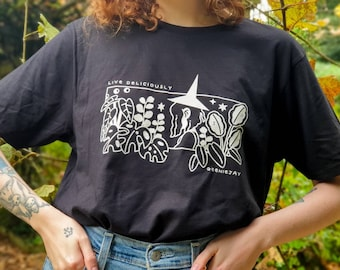 Live Deliciously Witch T-shirt - Botanical Plants Shirt - Black T-shirt - Halloween and Autumn Shirt - Organic Cotton - Geeniejay