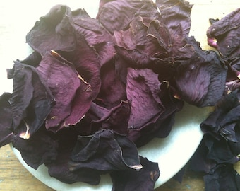 RED ROSE  petals dried - no stems or bits, 2 cups of  perfect petals for crafts and wedding toss