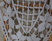 French antique table runner, French hand crochet table runner, French antique linens, French antique tabletop, French linens, Oval runner