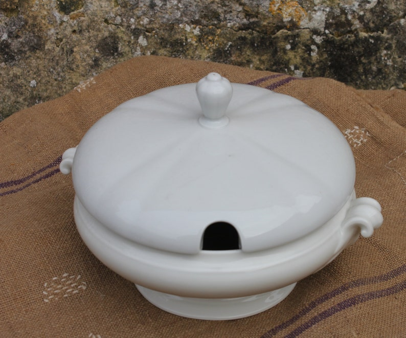 White French soup tureen French stew bowl soupiere French vintage bowl French vegetable dish French serving dish French vintage tureen