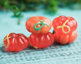 Orange pumpkin_artisan lampwork_murano glass_13 mm plant vegetable_Jack-o-Lantern_green tendril_multipurpose DIY_Halloween gardening gift