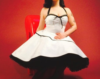 Black petticoat Wedding dress 50 years white ivory 50