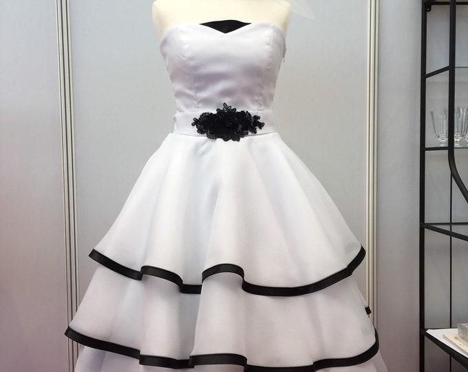Wedding dress wedding dress black white in 50s style