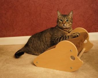 Rattino - Mouse Shaped Cat Scratcher