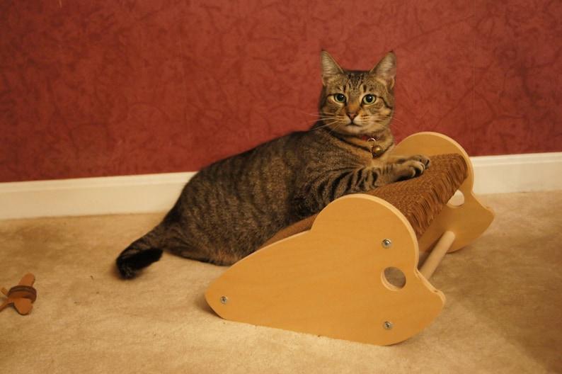 Rattino  Mouse Shaped Cat Scratcher image 0