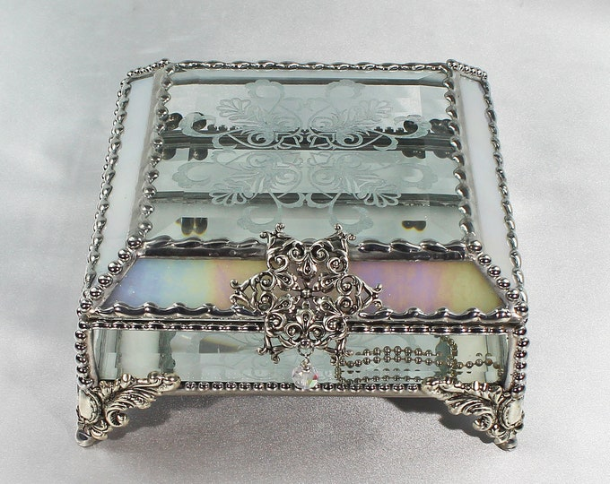 Victorian Snowflake, Treasure Box, stained glass box, stained glass, display box, jewelry box, , souvenir, mystic