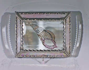 Sea Shell, Jewelry Box, Trinket Box, Keepsake Box, Stained Glass, Glass Art, Hand Painted, Etched Glass, Swarovski crystals, Made in the USA