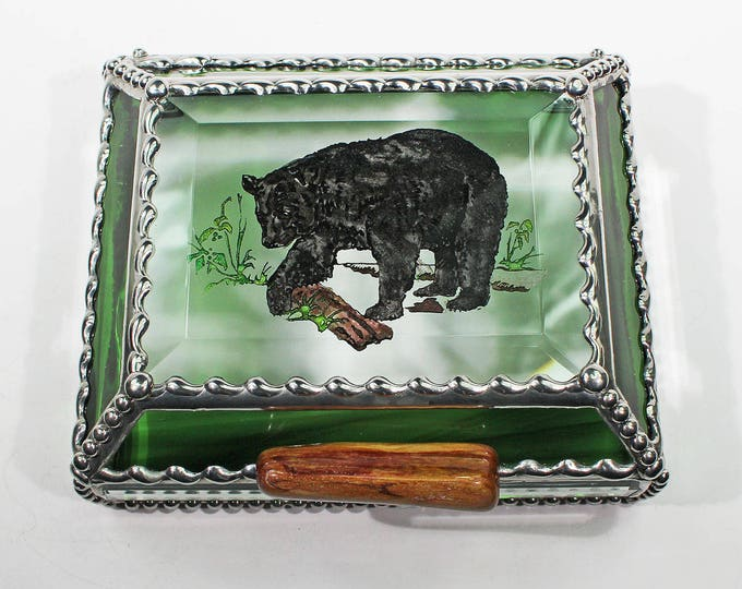 Bear, wildlife,Treasure Box, stained glass box, stained glass, display box, jewelry box, , souvenir, mystic