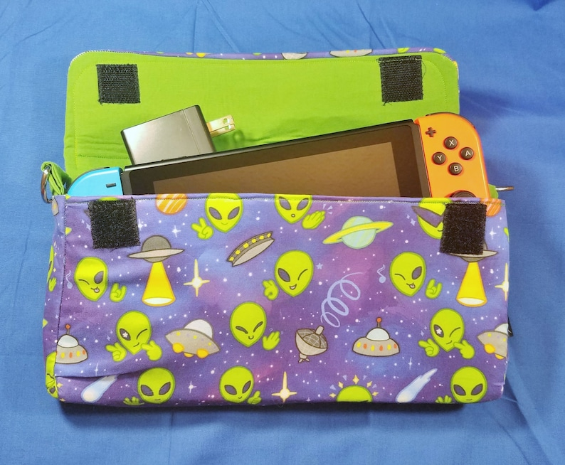 Space Aliens Pattern Nintendo Switch Carrying Case  Made to image 0