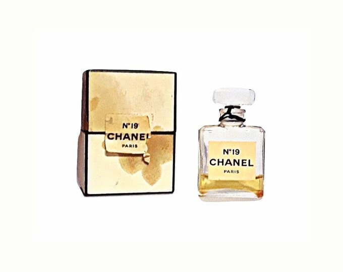 Vintage Chanel No. 19 Perfume by Chanel 0.25 oz Parfume Extrait Splash Mini 1960s Formula