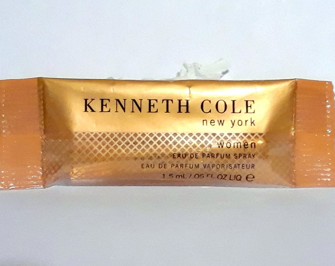 Kenneth Cole New York Perfume by Kenneth Cole 0.05 oz Eau de Parfum (original) Sample Vial in Pouch