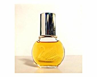 Vintage Perfume 1980s Vanderbilt by Gloria Vanderbilt 1 oz (30ml) Eau de Toilette Splash Classic Women's Fragrance