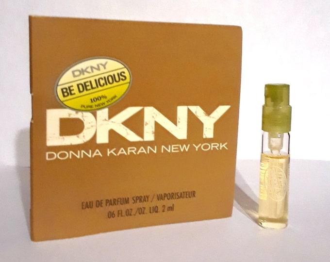 Be Delicious by Donna Karan 0.06 oz Eau de Parfum Scent Spray Sample Vial on Card PERFUME