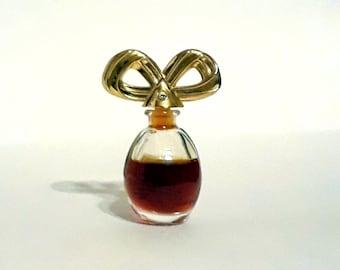 Vintage early 1990s White Diamonds by Elizabeth Taylor 0.12 oz Parfum Splash Miniature Perfume Bottle