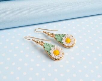 Daisy Tear drop Earrings