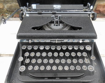 Vintage Typewriter Royal De Luxe 1937 Portable Manual Working Condition with Carrying Case Wedding Guest Book Dark Gray Black Matte, Chrome