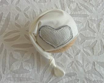 Baby knotted hat Newborn hat Newborn hat with heart Baby sleepy hat Newborn photography prop Newborn boys props White newborn hat RTS