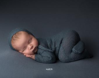 Newborn footed romper Knit newborn pajamas Long sleeved blue footed onesie Newborn photo prop Newborn Green sleeper Newborn footed outfit