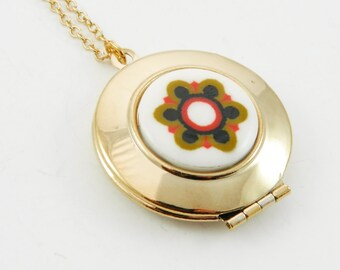 Mod Print Gold Locket
