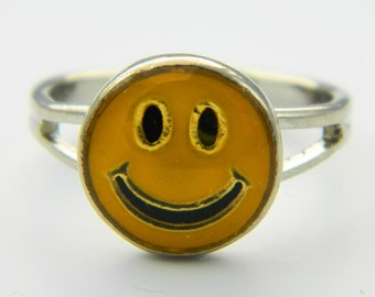Vintage Smiley Face Ring - Seconds Sale - Imperfects